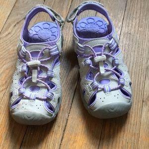 Khombu sz 13 kids sandals/water shoes